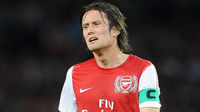 Полузащитник лондонского «Арсенала» Томаш Росицки перенес операцию по поводу травмы, которая оставит его без футбола на срок от шести до восьми недель.