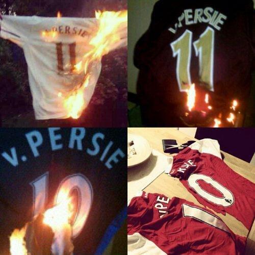 Робин Ван Перси стал футболистом «Манчестер Юнайтед», оставив «Арсенал» без капитана и лучшего бомбардира. Однако болельщикам «канониров» не стоит посыпать голову пеплом – для их любимого клуба не все так плохо, как кажется на первый взгляд.